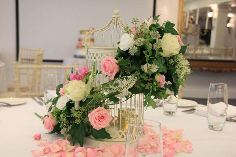 wedding florist esher bird cages 4 170163