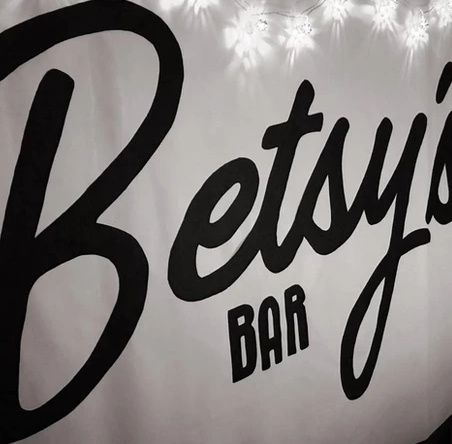 Mobile Bar Services Betsys Bar 21