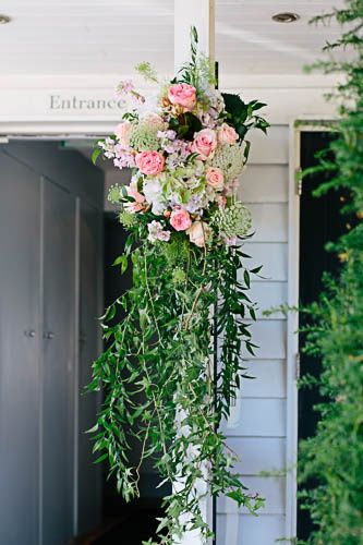 Hanging arrangement
