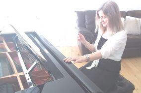 Ruth Ayres - Soloist