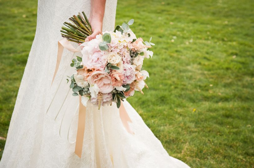 bride and bouquet 4 110228