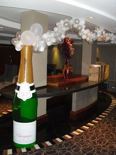 Champagne bubble arch