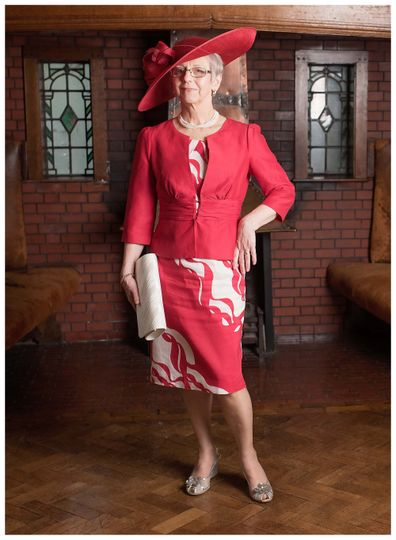 A Mother of the bride in red