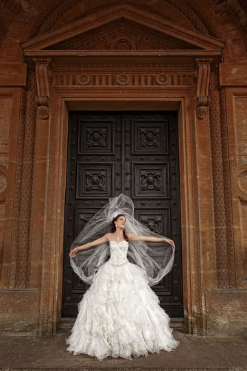 westonbirt school wedding bride with veil 4 170249
