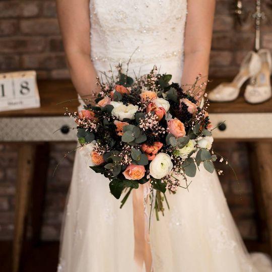 peach wedding 4 160270
