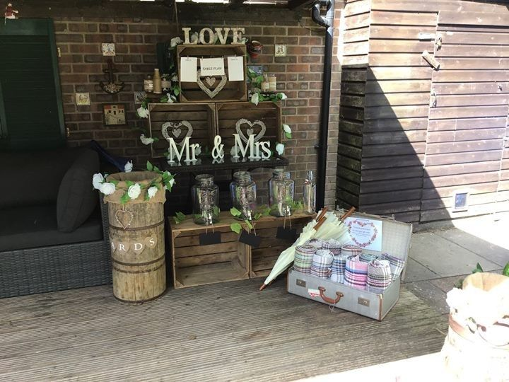 Rustic apple crates and throws