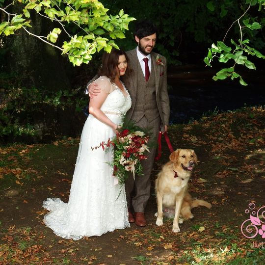 Bride, groom and dog 🥰