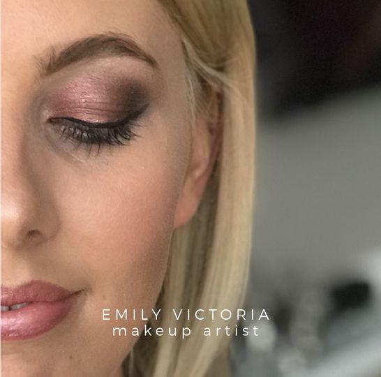 Pink smokey bridal eye makeup