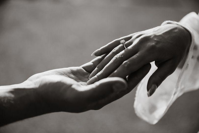 hands 2705251 1920 4 170359
