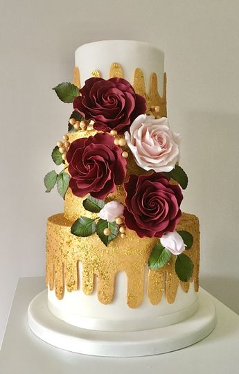 Golden Glamour Wedding Cake