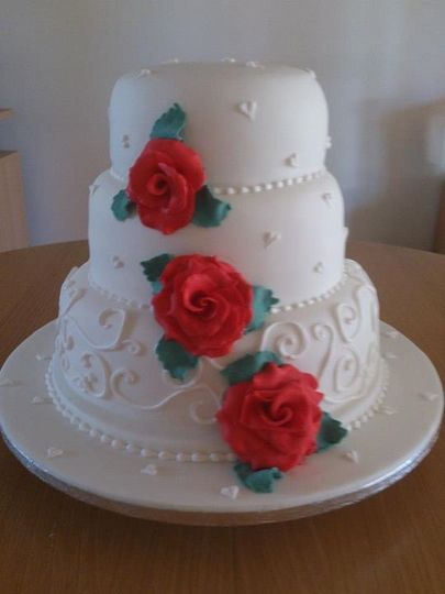 Roses and swirls stacked tiers