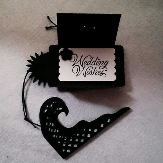 Place setting with mini easel