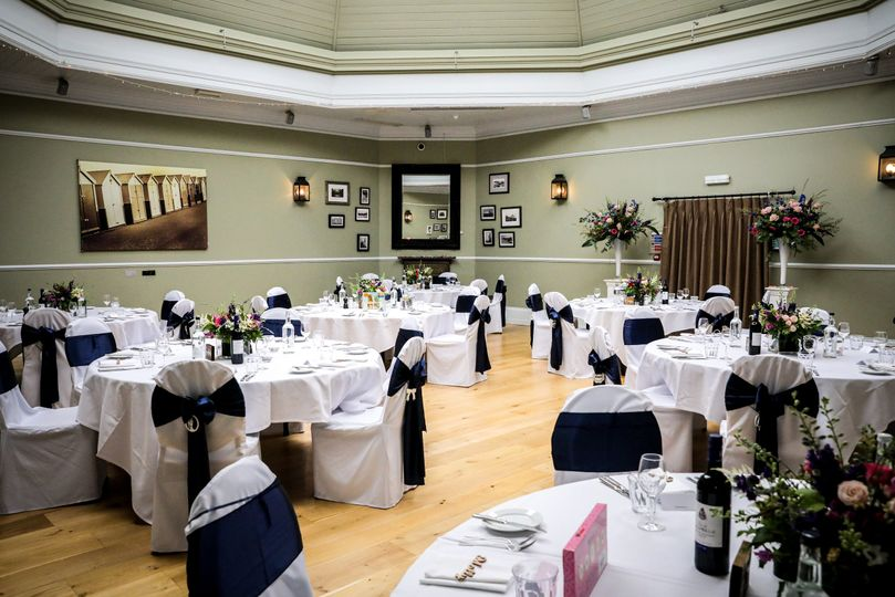 Chair covers and flowers 2021