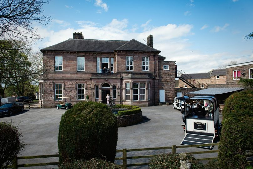 Whiston Hall & Mansion Court Hotel 10