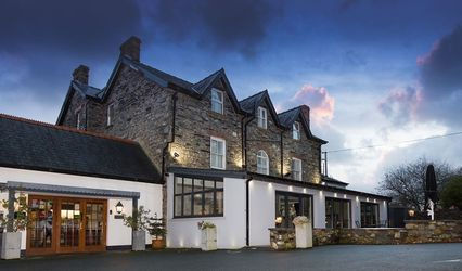 Wolfscastle Country Hotel 1