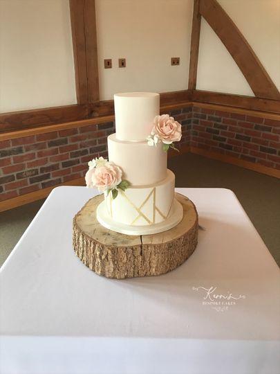 blush pink and geometric gold cake 4 180507 162824168871545