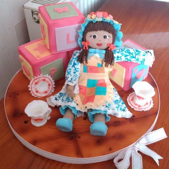 Novlety cake
