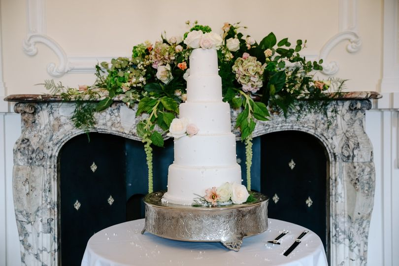 Wedding cake and stand