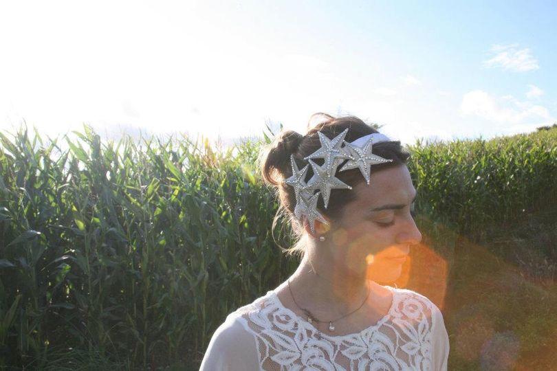 Stella - Bridal headband decorated with embellished stars.