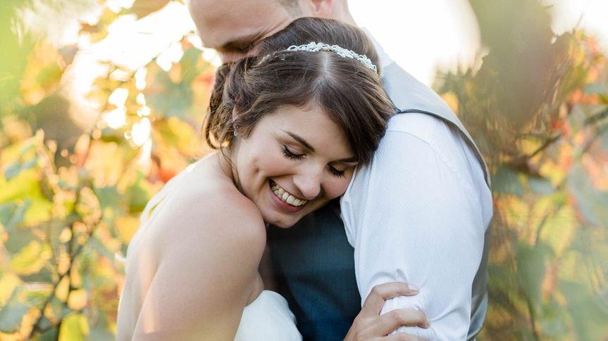 Couple embracing - Danielle Smith Photography