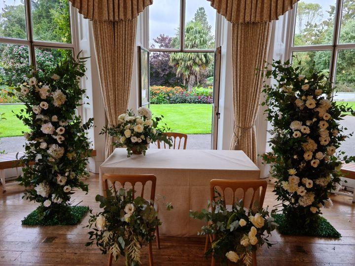 White ceremony flowers
