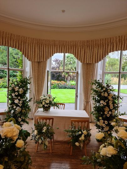 White floral pillars