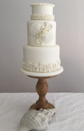 Shell and pearl wedding cake