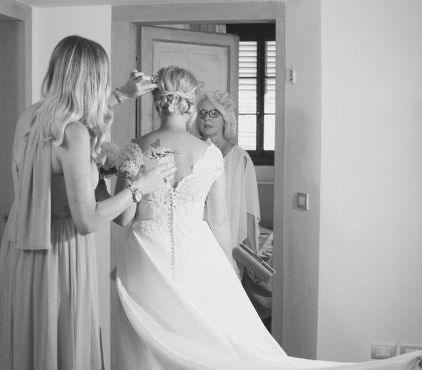 Getting ready - Joanne Redington Photography