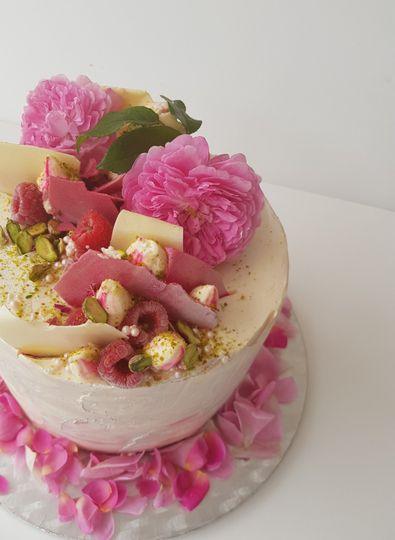 Our rose buttercream cake