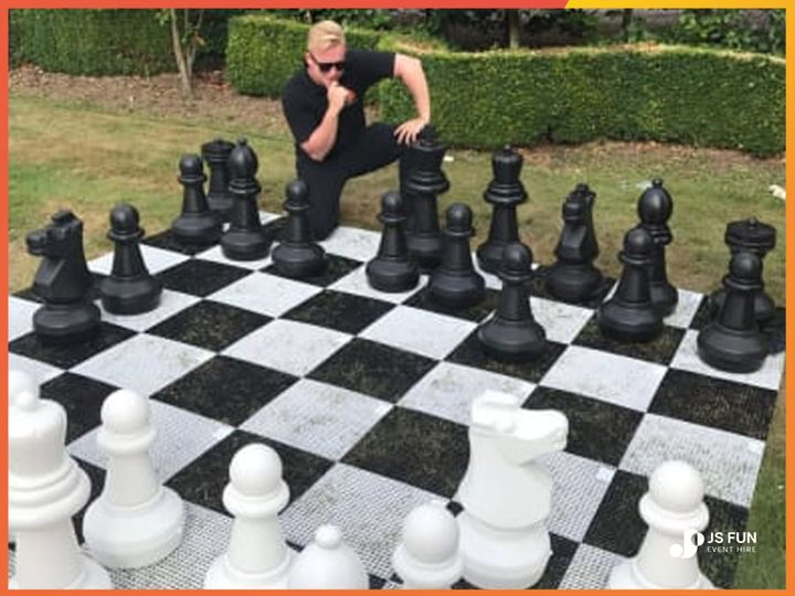 giant chess game at london wedding venue orig 4 280736 162317617961296