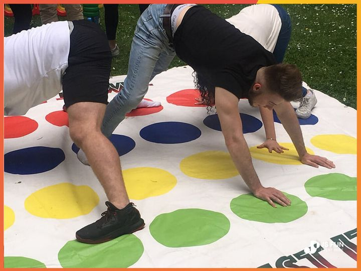 Giant twister lawn game