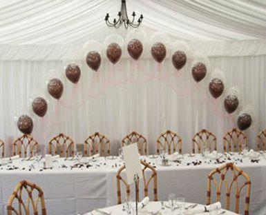 Balloons away head table
