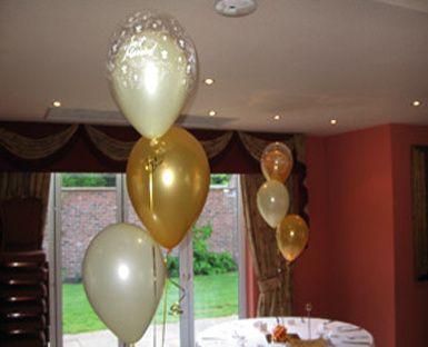 Balloon table decoration wedding