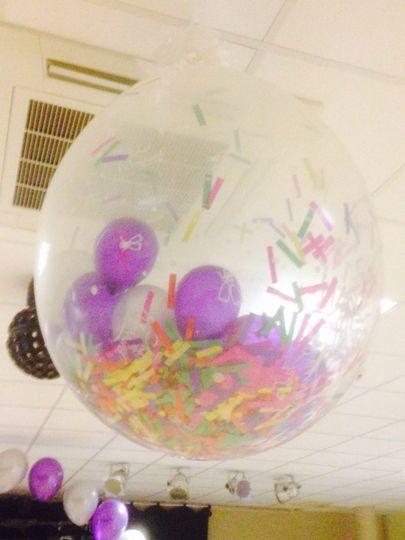 First dance/spray balloons