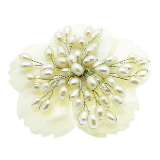 Wide range of pearl brooches