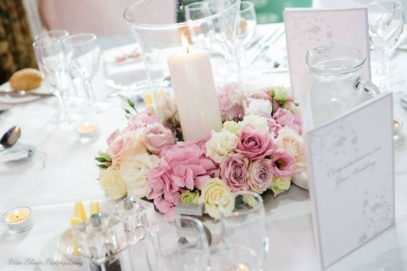 House of Blooms - Hurricane vase table centre
