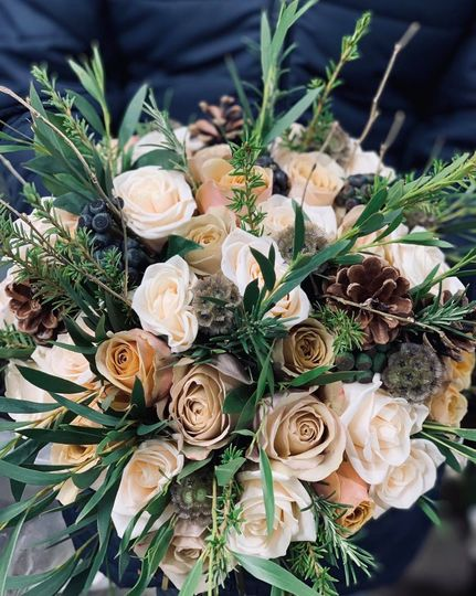 Winter-inspired bridal bouquet