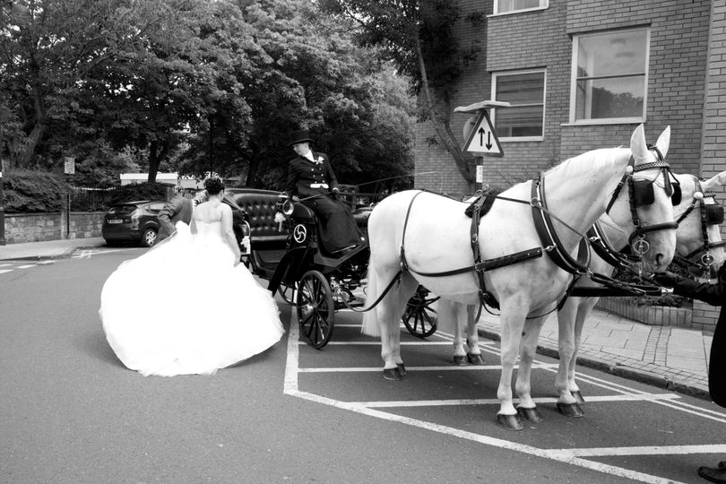 The carriage awaits - Paul Tree Weddings