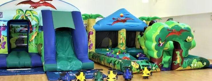 surrey bouncy castles banner 4 180969 157996935493597