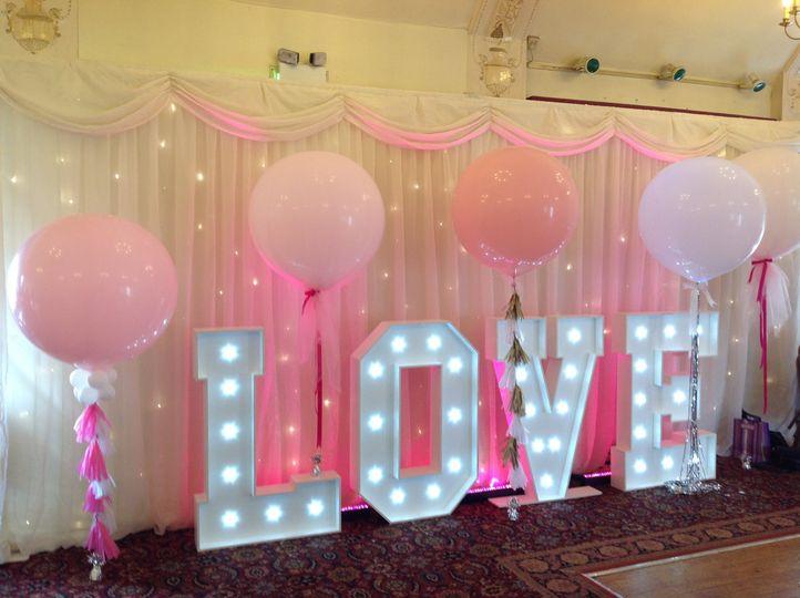 Giant bubblegum balloons