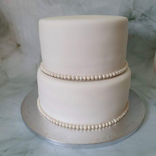 Simple and elegant pearl wedding cake