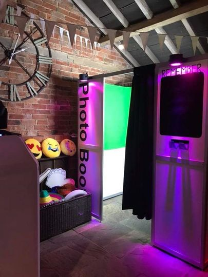 Photo booths with lights