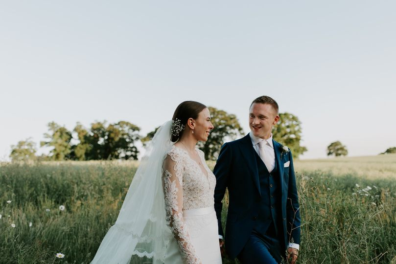 Smiling newlyweds - Anna Mathilda Photography