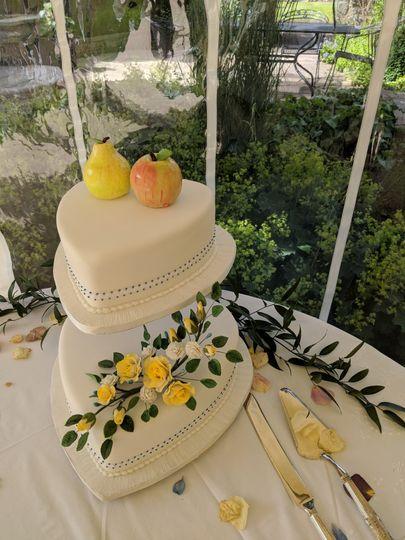 Sugar flowers and sugar fruit
