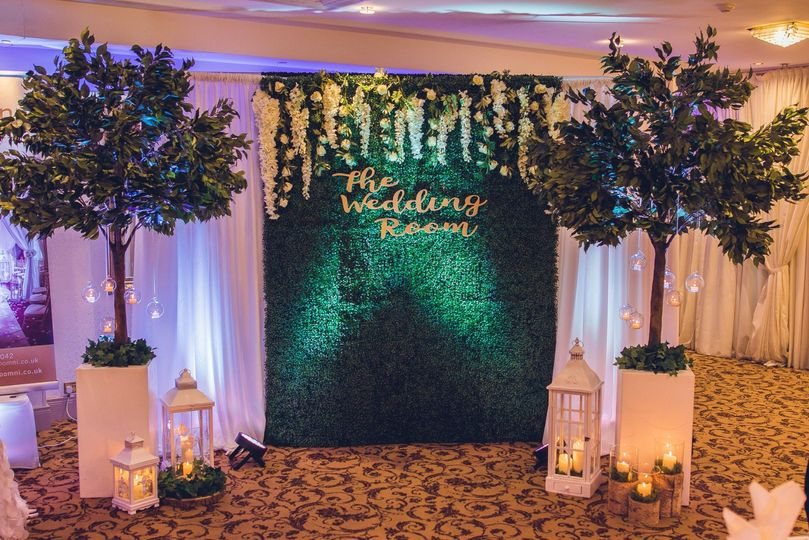 Photo wall and cake backdrop