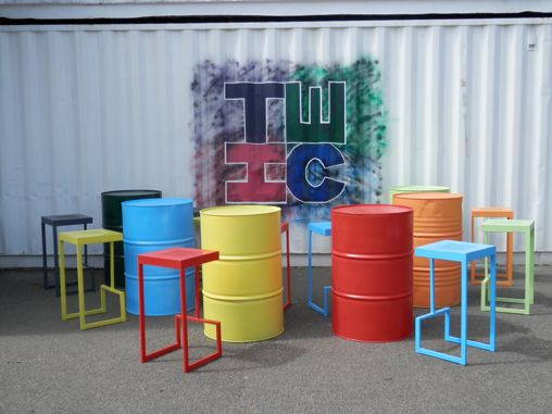 Oil drum pouser tables