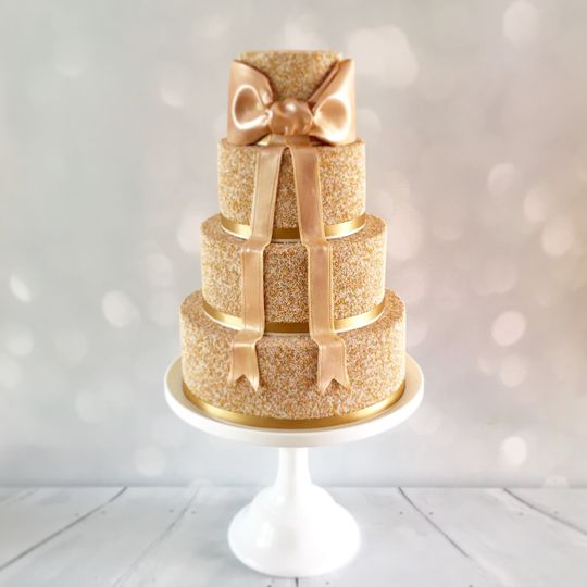 All gold 100's and 1000's cake