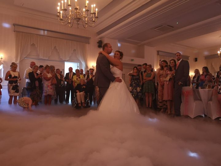 Cloud effect for first dance