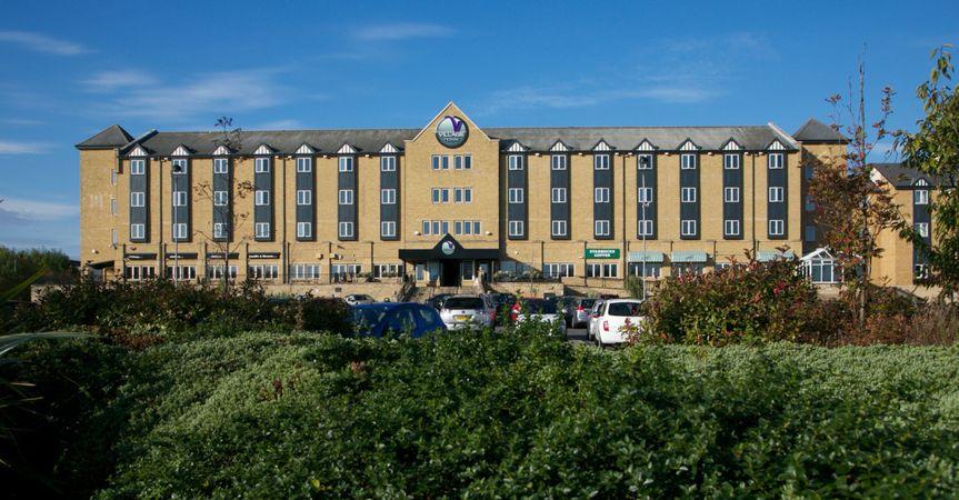 newcastle hotel exterior 2 4 191227 160440744333231