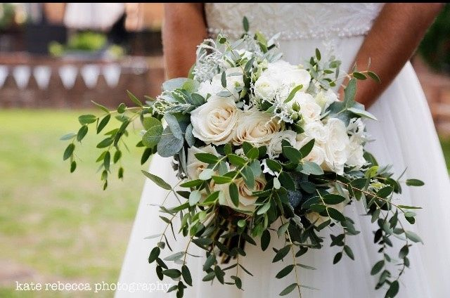 Ivory roses, olive branches and dusty miller